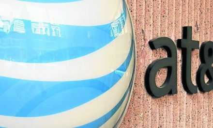 AT&T COMPRA STRAIGHT PATH COMMUNICATIONS