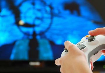 Videojuegos y canales extranjeros, los que más compran servicios locales