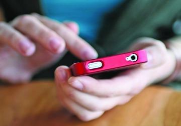 Nuevo impuesto se extendería a telefonía celular e internet de ticos