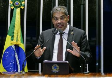 Hélio José pede mais investimentos e menos burocracia na infraestrutura de telecomunicações