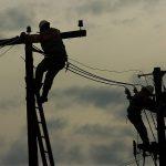Justiça manda Anatel e Aneel praticarem preço de referência do poste para telecom