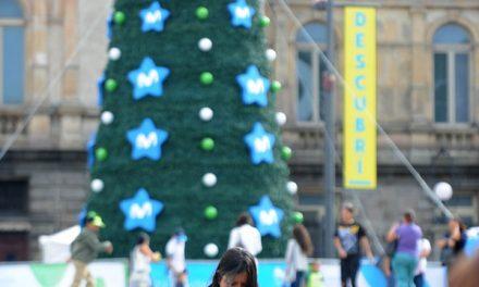 En Navidad y Año Nuevo, ticos se 'pegan' más a sus celulares